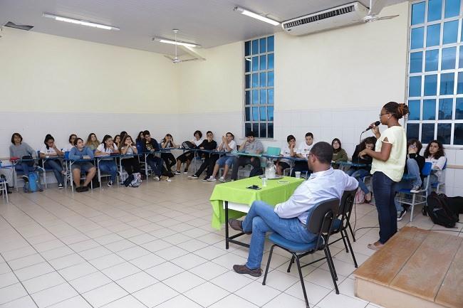 """""""Movimento Direitos Humanos"""" traz rodas de conversa para as turmas do 9º ano EF"""