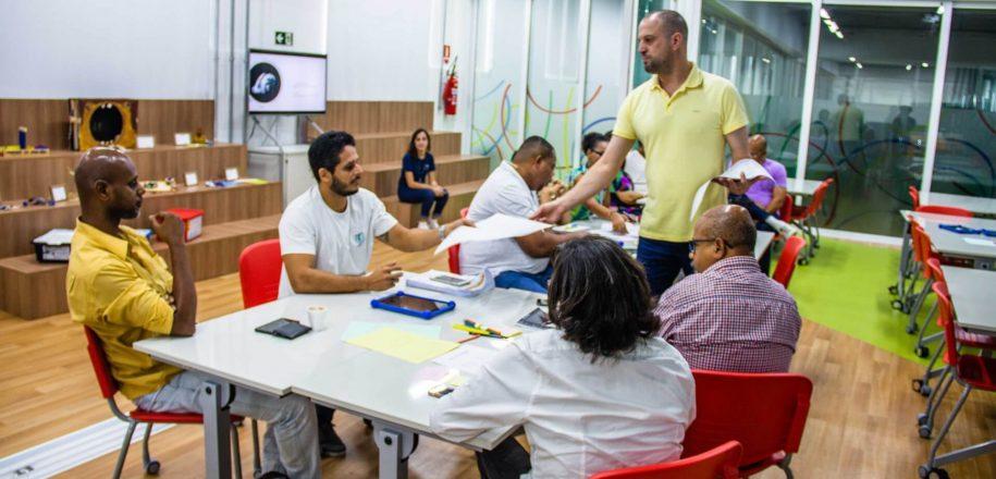 Imagem Destacada - Formação de Professores e Equipe Técnica